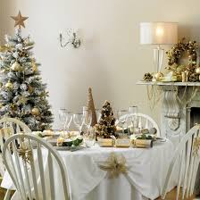 Christmas Lunch Table Decoration by Anyone Can Decorate Christmas Dining Table Decorating Ideas