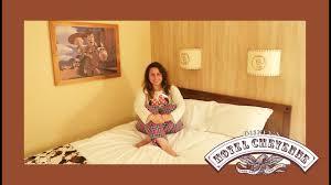 chambre hotel cheyenne disneyland hotel cheyenne room tour