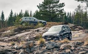 2018 volvo xc60 pictures photo gallery car and driver