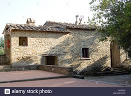 tuscany house typical tuscan house birthplace of leonardo da vinci stock photo
