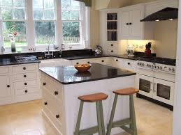 Cream Shaker Kitchen Cabinets by 14 Best English Shaker Kitchens Images On Pinterest Shaker