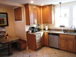what paint colors go well with oak cabinets