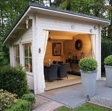 Diy Garden Shed Designs by Best 25 Shed Houses Ideas On Pinterest Small Log Cabin Plans