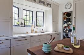 Kitchen Cabinets With Pulls Remodeling 101 Shaker Style Kitchen Cabinets Remodelista