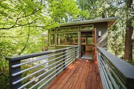 seattle tree house vrbo