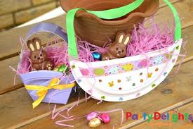 Homemade Easter Decorations Uk by Paper Plate Easter Baskets Easy Easter Craft Party Delights Blog