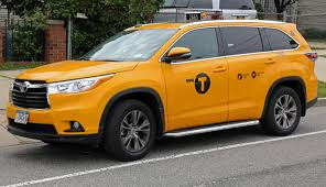 file 2014 toyota highlander xle nyc yellow cab front jpg