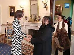 white house tours obama michelle obama surprises white house tour group with hugs people com