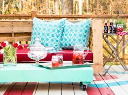 How To Make A Picnic Table Bench Cover by How To Make Stylish Outdoor Pallet Seating Hgtv