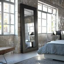 chambre avec miroir miroir dans une chambre cool miroir chemine un beau dcor chemine