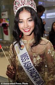 Youporn Com Asia - burmese beauty queen runs off with tiara after miss asia pacific