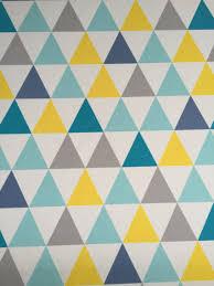 cuisine fond blanc tissu ameublement enfant en 140cmx50cm motif triangles jaunes