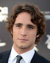 medium length hairstyles for naturally wavy hair medium wavy hairstyle men medium length hairstyles for men with
