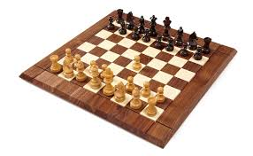 chess set in walnut and rosewood zontik games