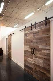 porte de chambre rona chambre porte de grange coulissante com porte sur rail en bois