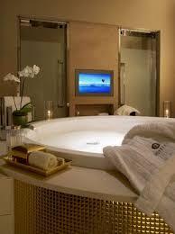 fernseher f r badezimmer die besten 25 badezimmerfernseher ideen auf bad make