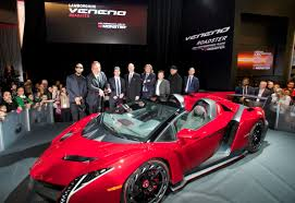 Lamborghini Veneno Red - luxury car monster introduces lamborghini veneno roadster ces2014