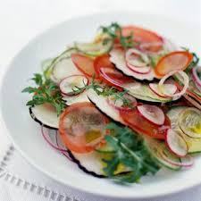radis noir cuisine salade de radis noir à la méditerranéenne facile et pas cher