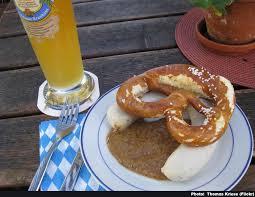 cuisine bavaroise weisswurst la saucisse blanche typique de munich en bavière