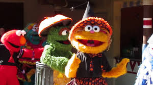 sesame street halloween party a halloween monster parade at sesame street kids u0027 weekends youtube