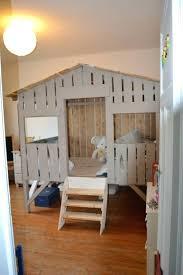 cabane pour chambre lit cabane pour enfant carebacks co