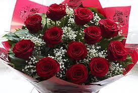 bouquet of roses dozen bouquet w helium foil loveheart balloon flowers