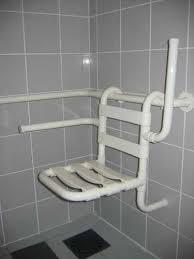 siège pour baignoire handicapé norme handicap fabulous amnager une salle de bains les rgles