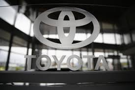 lexus gs recall 2014 toyota recalls 466 000 vehicles globally for spare tire braking