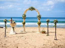 wedding arches for the waikiki weddings waikiki wedding venue park shore waikiki