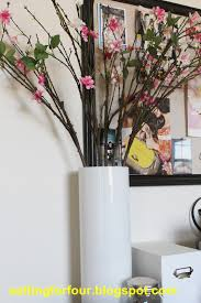 Diy Vase Decor Easy And Inexpensive Diy Painted Vase Setting For Four