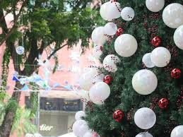 Christmas Decorations Tree Singapore by Christmas In Singapore Where To See The Best Christmas