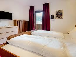 Schlafzimmer 10 Qm Appartement 3 Alpensport Appartements Stubai