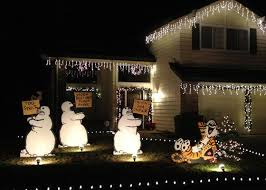 Snowman Lawn Decorations Calvin And Hobbes Christmas Lawn Decorations Pursuitist