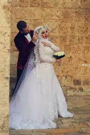 muslim bridal bridal with flowery crown ideas for muslim wedding