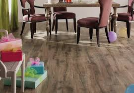 oak laminate flooring onflooring