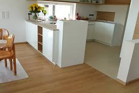 parkett küche ob neues parkett verlegen oder altes parkett sanieren am besten