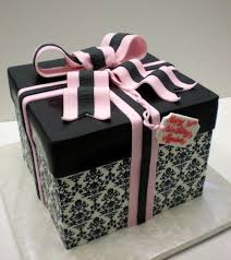 wedding cake gift boxes 99 best gift box cakes images on biscuits gift box