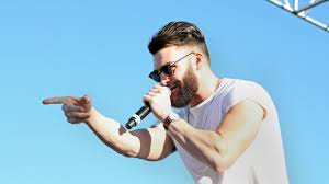 dylan shaircut dylan scott to sing national anthem at dodgers game k frog 95 1