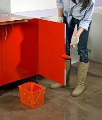 peinture resine meuble de cuisine les techniques pour appliquer de la résine sur des meubles de