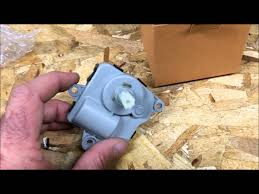 2010 chevy equinox blend door actuator replacement youtube