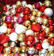 how to make a ornament wreath hometalk