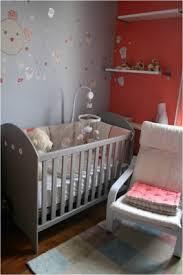 chambre enfant gris et gris et corail pour romane vous avez décoré avec soin la