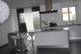 cuisine deco design cuisine grise et blanche lzzy co