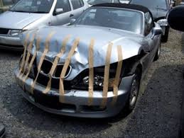 25 most funniest car crash pictures that will make you laugh
