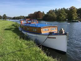 river thames boat brokers classic boat sales classic boat charter henley sales charter