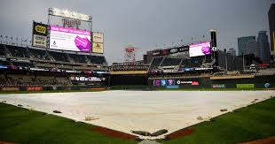 target black friday rain check twins tigers get going after rain delay at target field
