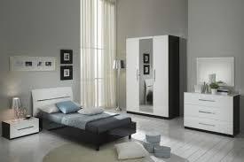 chambre a coucher noir et blanc glorino chambre complète noir et blanc laqué modiva