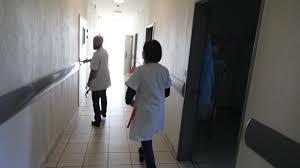 chambre d isolement en psychiatrie à l hôpital philippe pinel d amiens la psychiatrie parent pauvre