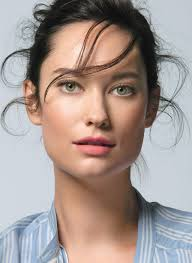 hairstyle to avoid sunken face how to never look tired again really glamour