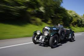 bentley at the palace of holyroodhouse concours of elegance just